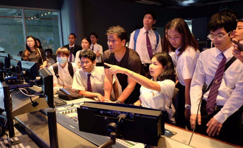 ไทยพีบีเอส ต้อนรับคณะเยี่ยมชมจากมหาวิทยาลัยเทคโนโลยีราชมงคลพระนคร
